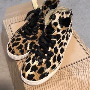 Gourmet leopard print sneakers